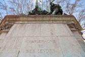 Monumento de carlomagno en parís — Foto de Stock