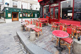 Parisian restaurant on montmartre — Stock Photo
