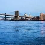 Brooklyn Bridge in New York at evening — Stock Photo