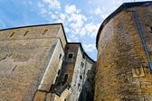 Věže a zdí hradu sedan, Francie — Stock fotografie