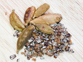 Dried cardamon pods — Stock Photo