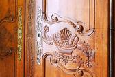 Rzeźbione drewniane drzwi — Zdjęcie stockowe