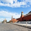View of lenin mausoleum and kremlin wall — Stock Photo