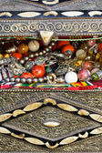 Antique jewelry in ancient treasure chest — Stockfoto