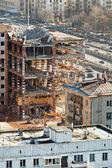 Demolition of old house on urban street — Zdjęcie stockowe