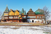 Fachada del gran palacio de madera en kolomenskoe — Foto de Stock
