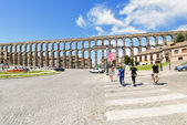 View of ancient roman Aqueduct of Segovia — Stock Photo