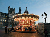 Carousel at Place de Hotel de Ville in Paris — Stock Photo
