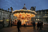 Christmas night illumination of carousel, Paris — Stock Photo