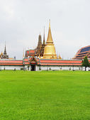 Temple of the Emerald Buddha in Bangkok — 图库照片