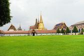 Temple Complex of the Emerald Buddha in Bangkok — Stock Photo