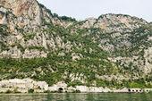 Rocky shores of Lake Garda, Italy — Stock Photo