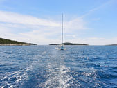 View of white yacht in blue Adriatic sea — Stock Photo