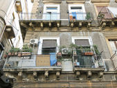 Facade of house in center of Catania, Italy — Stock Photo