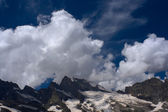 Mountain view with glacier at Caucasus mountains, near Uzunkol river and ca — Stock Photo