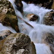 Clear mountain river — Stockfoto