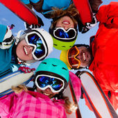 Ski, snow, sun and winter fun — Stock fotografie