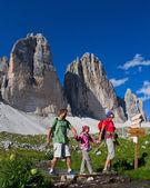 Family on hike — Stock Photo