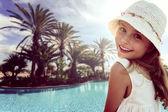 Summer vacation - Portrait of lovely girl in beach resort — Stock Photo