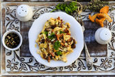 Chanterelle - Traditional scrambled eggs with fresh chanterelle — Stock Photo