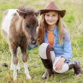 Ranch - Lovely girl with pony on the ranch — 图库照片