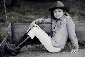牧場 - 素敵なカウガールの肖像画 — ストック写真