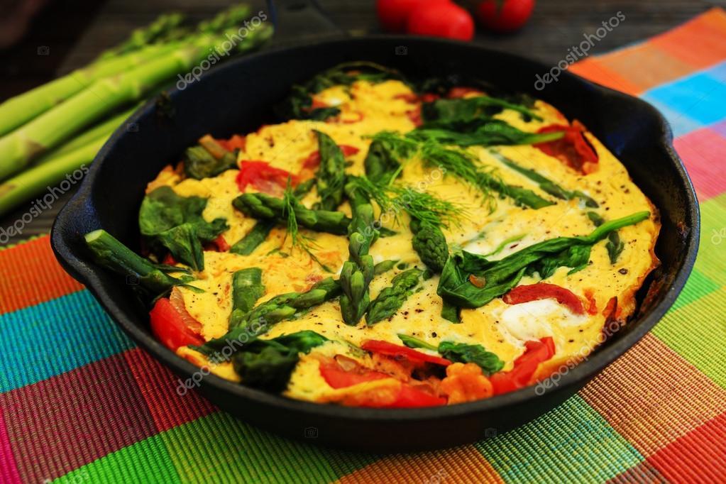 Omelette aux asperges et tomates sur la po le frire photo 47066891 - Asperge a la poele ...