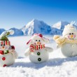Winter, snow, sun and fun - happy snowman friends — Stock Photo #47436287