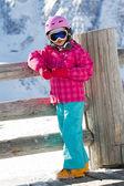 Skiën, kind, winter - jonge skiër op winter vakanties — Stockfoto