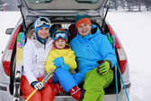Winter, skiing, journey - family with ski equipment — Стоковое фото