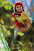 Autumn - lovely girl enjoying autumn — Stockfoto