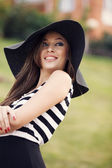 The hat is an attribute of fashion — Stock Photo