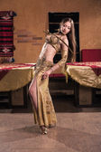 Belly dancer — Stok fotoğraf