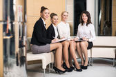 Vier vrouwelijke ondernemers — Stockfoto