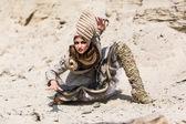 Ragazza in un deserto — Foto Stock