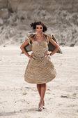 Donna nel deserto — Foto Stock