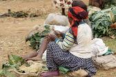 Mujer africana en el mercado — Foto de Stock