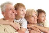 おじいちゃんとおばあちゃん、いい孫と — ストック写真