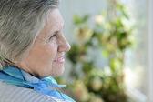 портрет пожилой женщины — Стоковое фото