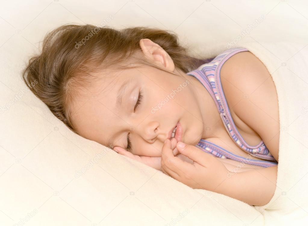 可爱的小女孩 — 图库照片08aletia#29181325