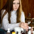 Girl feels unwell — Stockfoto