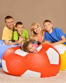楽しいを持っている家族 — ストック写真