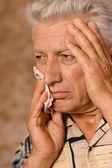 Retrato de un hombre enfermo senior — Foto de Stock