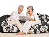 Пожилая пара, дома отдыха — Стоковое фото