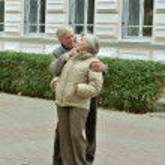 Happy elderly couple — Stock Photo #33357571
