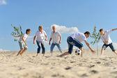 Familie voetballen — Stockfoto