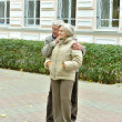 Mature couple walking — 图库照片