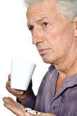 薬と病気の老人 — ストック写真