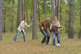 Família é jogar futebol — Foto Stock