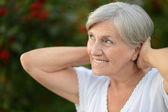 Mooie bejaarde vrouw — Stockfoto